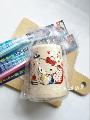 日本帶回-三麗鷗 Hello kitty 凱蒂貓牙刷架 牙刷筒 彩粧筆 眉筆 筆筒【柚子甜甜的~】
