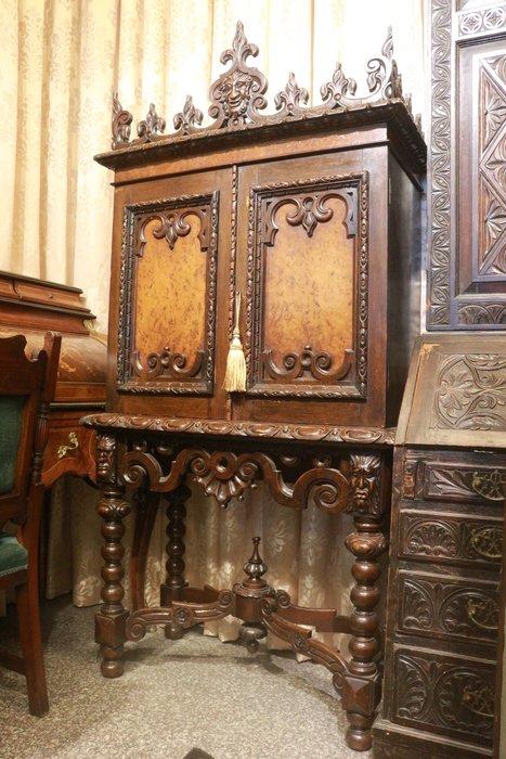 【家與收藏】特價頂級稀有珍藏歐洲百年古董英國維多利亞時期古典精緻手工刻花邊櫃/置物櫃