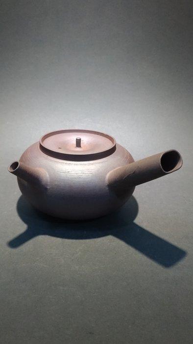 ☆清沁苑☆//清倉特價品//日本煎茶道具~銘:陶六 手工窯燒 土色 側把湯沸 急須~d557