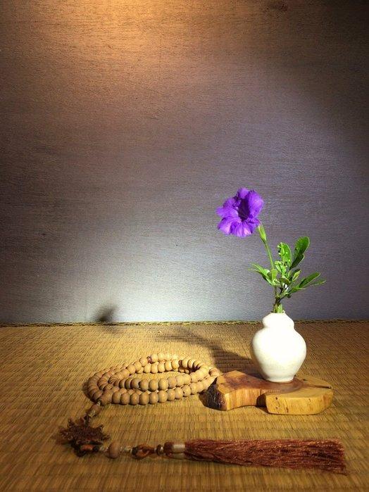 (店鋪不續租清倉大拍賣)山櫻桃黃克強先生,白釉小花瓶特價1000元