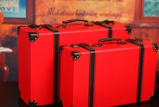 {{老上海民國風}}復古手提箱/木質收納箱子/影樓裝飾櫥窗道具皮箱~@小@(必選郵寄或貨運)
