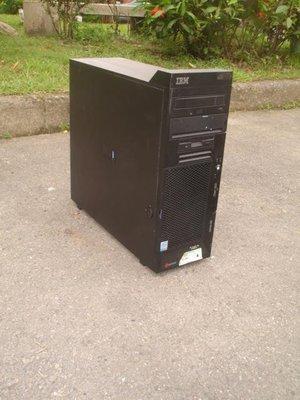 【電腦零件補給站】IBM eServer xSeries 206 伺服器 硬碟請自備