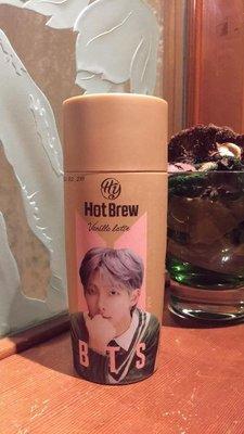 【阿波的窩 Apos house】HY x BTS 防彈少年團 聯名 限定版 熱釀香草拿鐵咖啡 金南俊 RM版