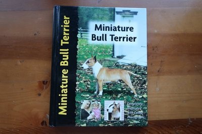 ☻解憂雜貨店☻二手書【迷你牛頭梗Miniature BULL TERRIERS:Muriel P Lee】