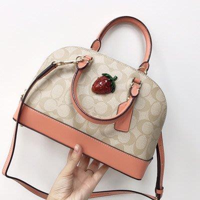 【八妹精品】COACH 72752 新款女士小號貝殼包 草莓裝飾手提包 單肩斜挎包 清新可愛女包