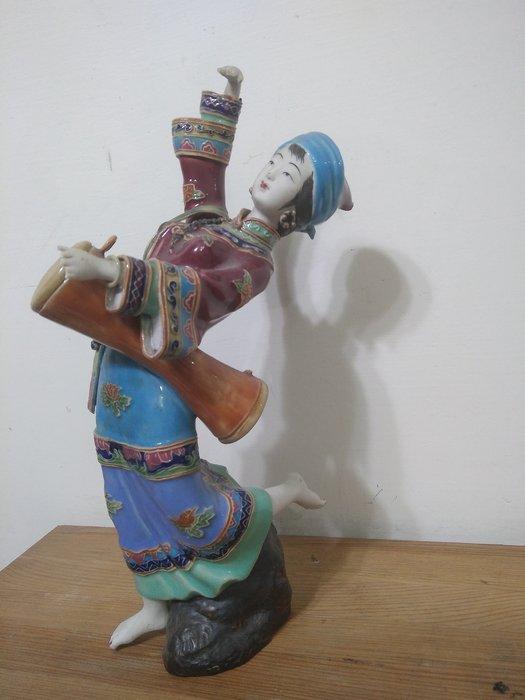 大陸瓷器家鄧平作品之五