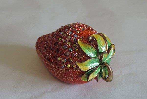丁香之家--粉地琉彩草莓珠寶盒