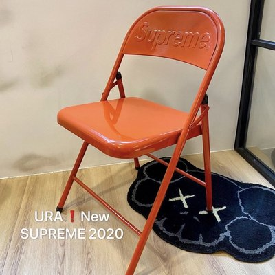 【URA現貨】 SUPREME 2020 Metal Folding Chair 金屬浮雕 Logo 折疊椅 黑色霧面 / 紅色亮面