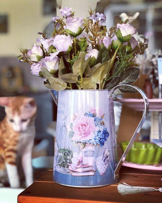 花瓶 花器 鐵皮 鐵桶 單耳 把手 印花 批發 裝飾 婚禮 佈置 馬口鐵 紫色 仿真花 插花 人造花 花木馬 雜貨 花園