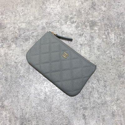 Chanel Coco 拉鍊零錢包 一字包 菱格紋 荔枝皮 淡金釦 灰色《精品女王全新&二手》
