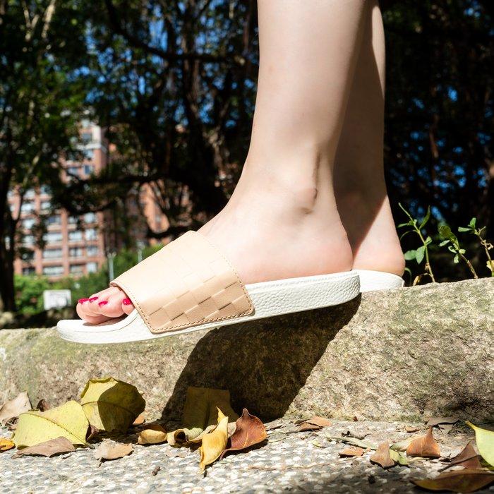 【A-KAY0】VANS X LEILA HURST 女 W SLIDE-ON 拖鞋 淡琥珀白【VN0004LGUBN】