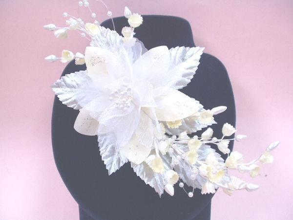B. & W. world *美美的花飾*R13046*米白色、白色婚紗兩用花飾***大吉大利***