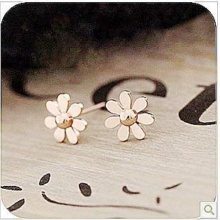 【Asiahito】玫瑰金鈦金屬201韓版飾品清新簡約光面小雛菊花耳釘 耳飾 5g