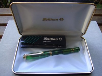 PELIKAN 百利金 M800 1992年第一款透明示範筆 (PF筆尖)