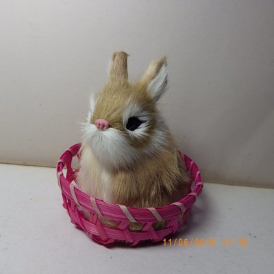紫晶宮***單隻兔子高11.5cm黃白色竹籃***品質保證價格便宜