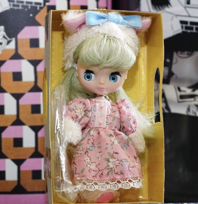 Blythe mini 迷你布 兔女郎限定版