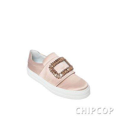 【ChicPop】ROGER VIVIER Sneaky Viv 緞面 水鑽  休閒鞋 懶人鞋 裸色