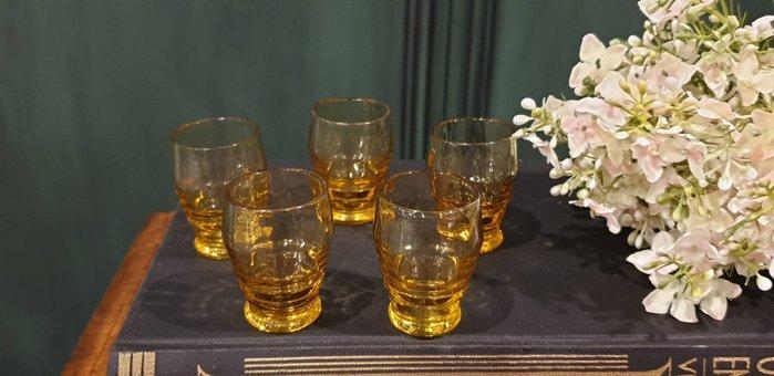 【卡卡頌 歐洲古董】法國老件 棕橘色 小巧  多角度  小水晶杯 酒杯   g0584