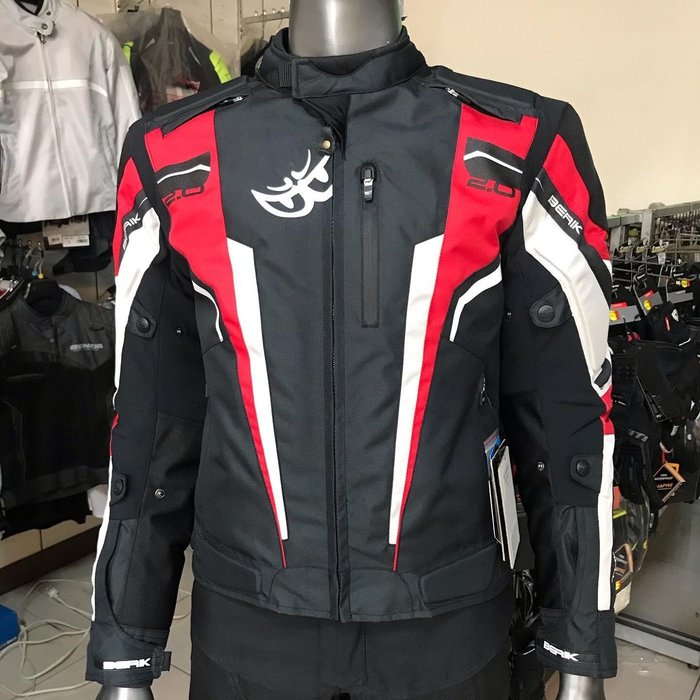 BERIK 大里特約商moto2輪館2019 BERIK NJ-173319-BK冬季防摔衣(48)$5680