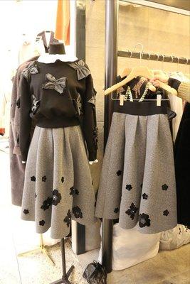 ♥出清 可純超取♥設計師款 細緻黑花造型長裙  現貨一