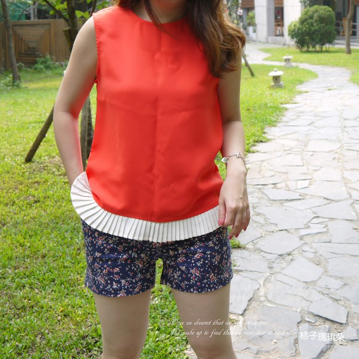 正韓 馬卡龍色 百褶裙下擺 滑布上衣(橘紅、天藍、黃)~桔子瑪琪朵。惠衣