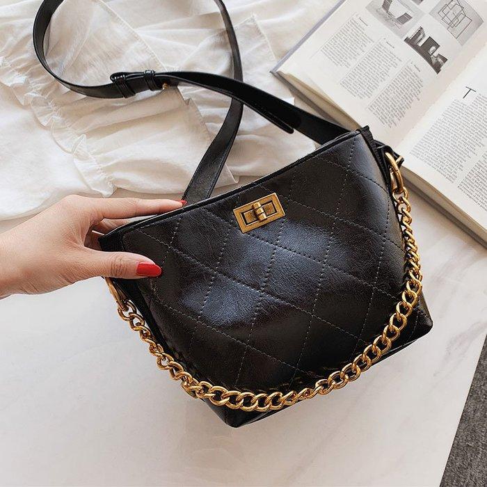廠家~最低價高級感小包包女2019新款韓版洋氣單肩包時尚百搭菱格鏈條水桶包