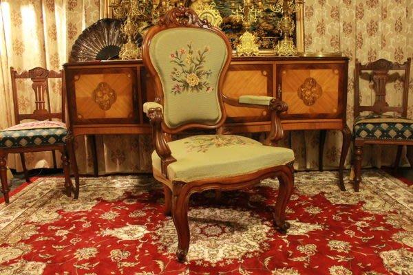 【家與收藏】賠售特價稀有珍藏歐洲百年古董法國古典大器珍貴手工胡桃木刺繡優雅橄欖綠法國椅