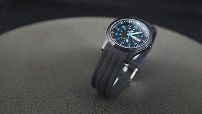 台灣製造~SEIKO精工原廠VX43石英機芯,強悍軍風防水石英錶,不鏽鋼製黑色IPB錶壳,blue