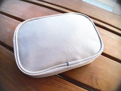 Calvin Klein長途旅行收納組(眼罩、充氣頭枕、收納包)