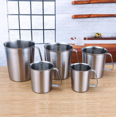 ▪1000ml▪加厚304不銹鋼量杯 盎司杯 凸字刻度杯 拉花杯 奶茶咖啡量杯 備料杯