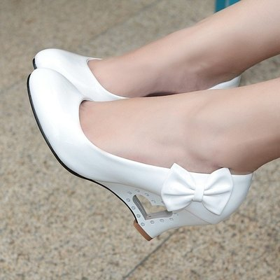 娃娃鞋黑白色亮漆皮cosplay跳舞蝴蝶結可愛甜美淑女桃心楔形單鞋女皮鞋