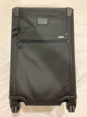 TUMI 美規標準登機箱 黑色 九成九新 登機一次回台 International Expandable 4 Wheeled Carry-On ALPHA2