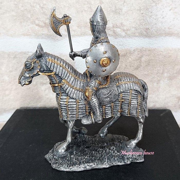 點點蘑菇屋{合金騎士擺飾}合金中古騎士(九)~右手拿斧頭左手圓盾牌 鐵甲武士 歐洲中古世紀羅馬 盔甲武士 現貨