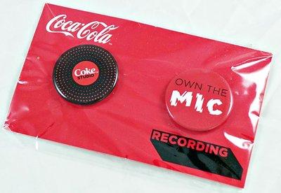 破盤清倉大降價!全新從未拆開【『可口可樂』搖滾錄音室徽章組】,一組兩個,只有一組,免運費!