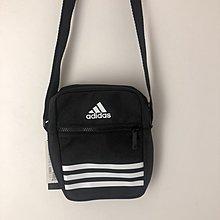 ADIDAS 黑色 黑白 肩背包 斜背包 側背包 隨身小包 零錢鑰匙包 書包 DZ9239 請先詢問庫存