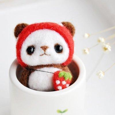 ~霸妹小貨舖~DIY 羊毛毡戳戳樂材料包~草莓熊 送工具