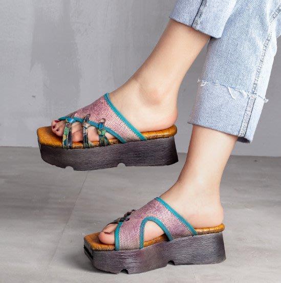 ~皮皮創~原創設計手工女鞋。復古做舊擦色真皮厚底鞋舒適百搭露趾鬆糕鞋頭層牛皮涼拖鞋