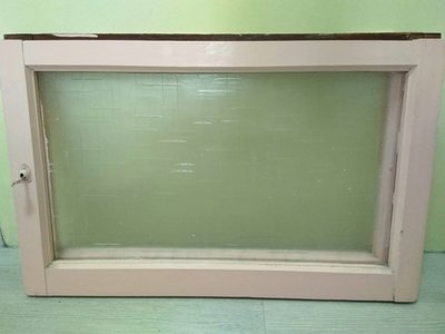 早期懷舊家具-玻璃窗一組(小,粉紅色框)