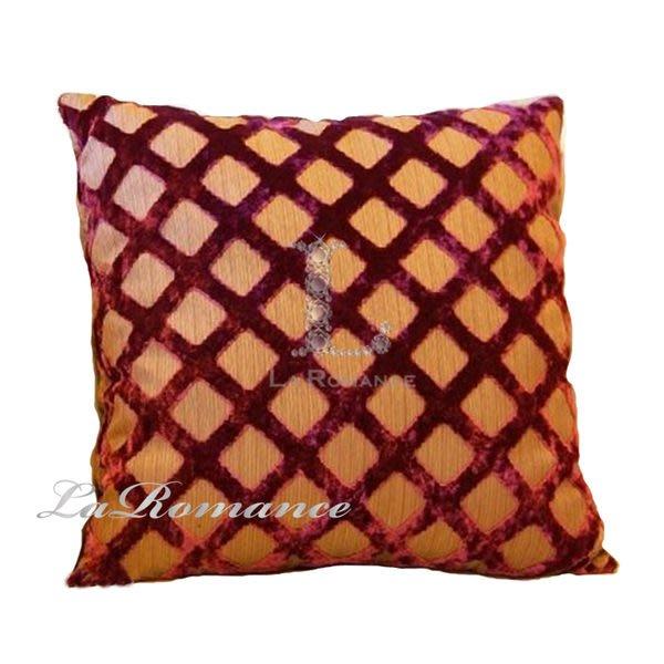 【La Romance 絕版品出清】Seamus 系列歐風經典菱格紋絲絨抱枕 (大) / 靠墊 (標多少賣多少)