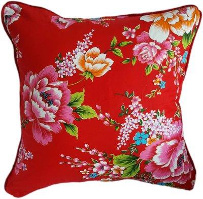 C10 客家花布(紅)抱枕  45x45cm (含枕心)