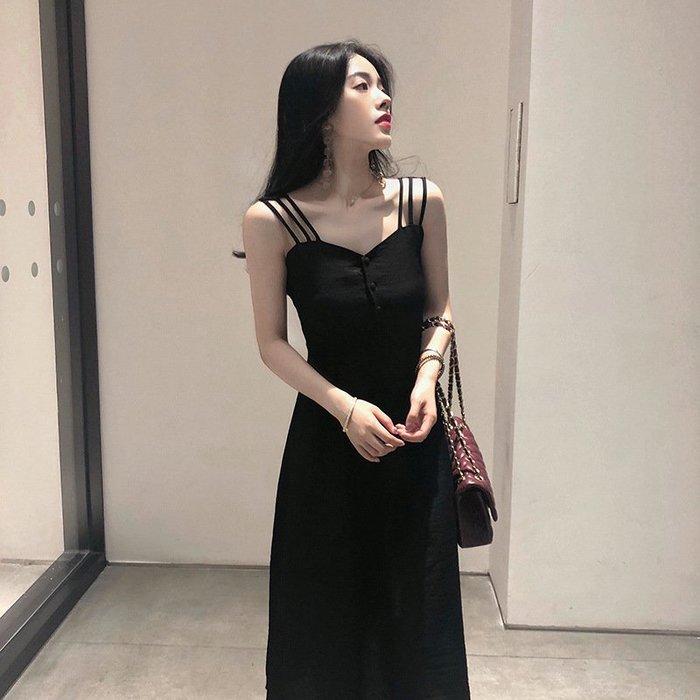 【藏私好物】裙子連身裙新款露肩收腰顯瘦女吊帶夏季赫本小黑裙ins洋裝簡約