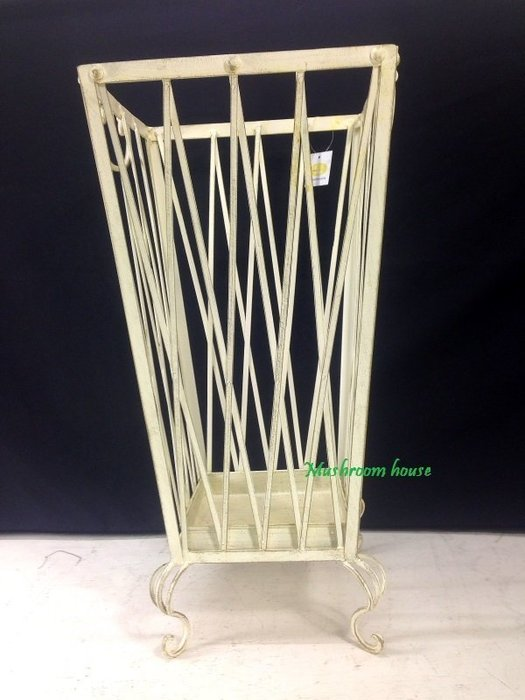 點點蘑菇屋 復古鐵製米白色方形直線交錯傘筒 鐵藝傘架 傘桶 傘座 開店禮物 工業風 田園風 鄉村風