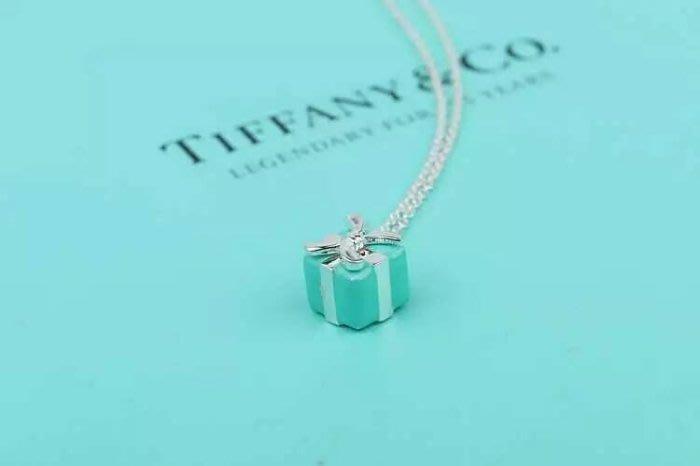 Melia 米莉亞代購 Tiffany&Co. 925純銀 Tiffany 蒂芙尼 項鍊 琺琅聖誕禮物盒項鍊