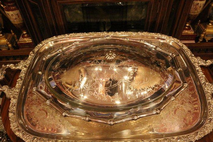 【家與收藏】賠售特價稀有珍藏歐洲古董英國典雅華麗精緻銀浮雕點心盆2