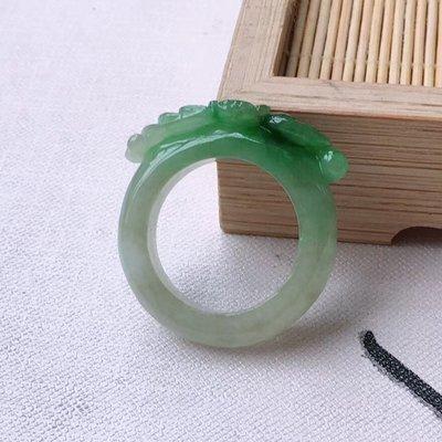#吉祥翡翠#  翡翠A貨老坑冰糯種 水潤精雕 飄綠 戒指  顏色亮種水足 佩戴收藏佳品