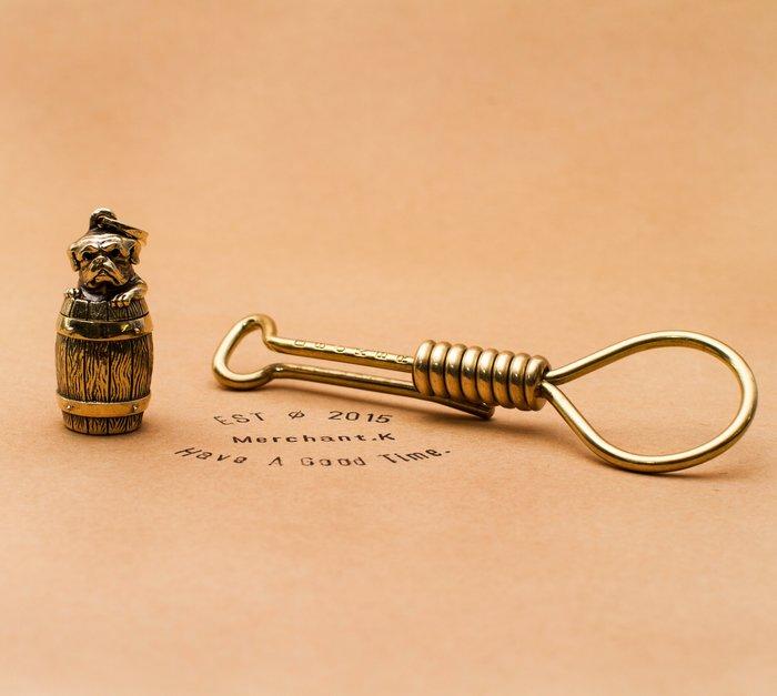 PEANUTS & CO 鬥牛犬 酒桶 BULL BOTLE 黃銅鑰匙圈 法鬥 supreme 復刻品 余文樂