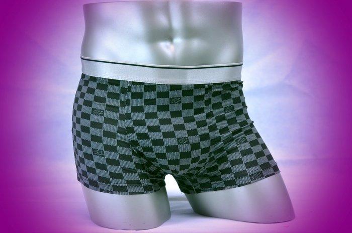 涼感特賣十送一【SL-20】MAN 超軟舒適貼身牛奶絲四角內褲 M 號