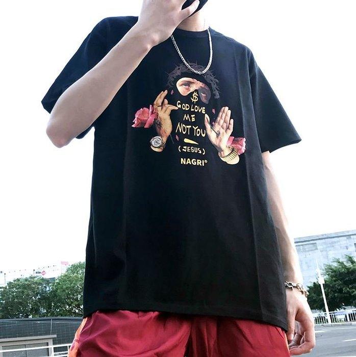【NoComment】街頭休閒潮流 嘻哈風格的塗鴉短衣T 黑白兩色 UNIQLO Supreme