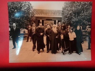 【愛悅二手書坊 A-01-4】前總統 經國先生除夕在慈湖接待國畫大師張大千謁靈