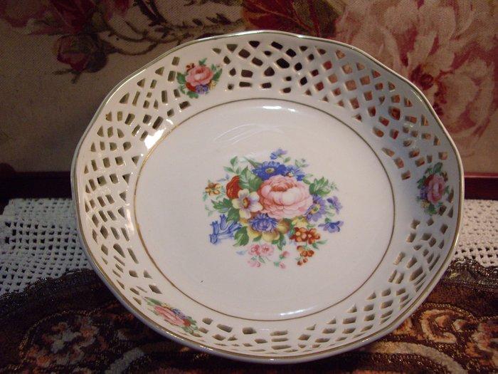 歐洲古物時尚雜貨 瓷盤 簍空邊 花朵圖騰擺飾品 古董收藏